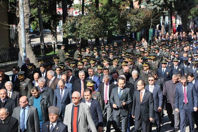 Atatürk Anma Gazete32 -002