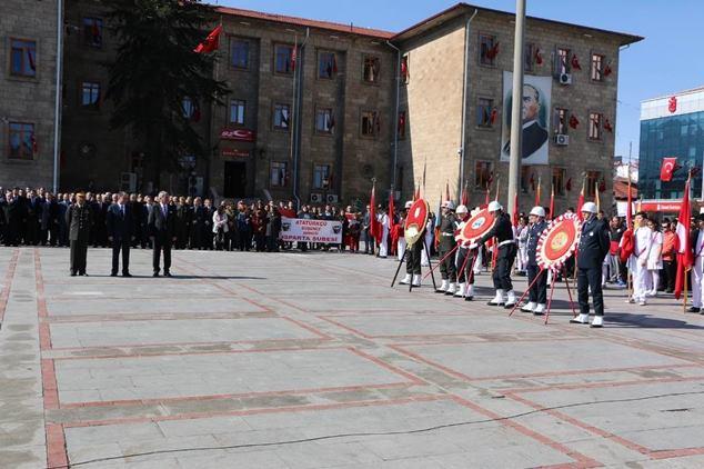 Atatürk Anma Gazete32 -003