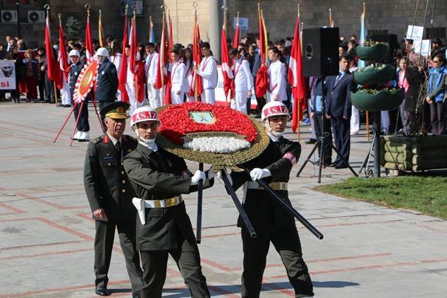 Atatürk Anma Gazete32 -004