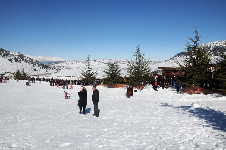 Merkeze, Ankara, Antalya, İzmir, Konya, Denizli ve Afyonkarahisar başta olmak üzere Türkiye'nin dört bir yanından ziyaretçiler geliyor.