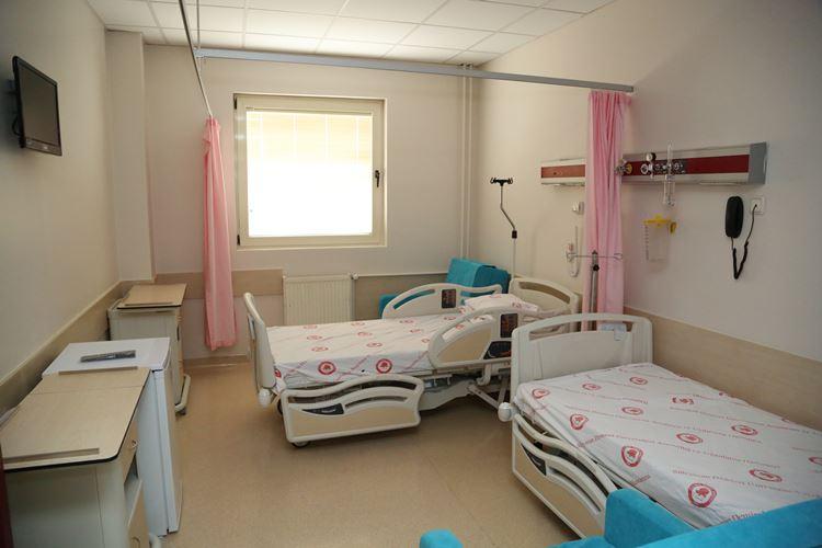SDÜ'de hasta odaları yenileniyor